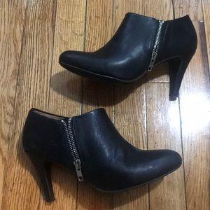 Report ankle heel booties